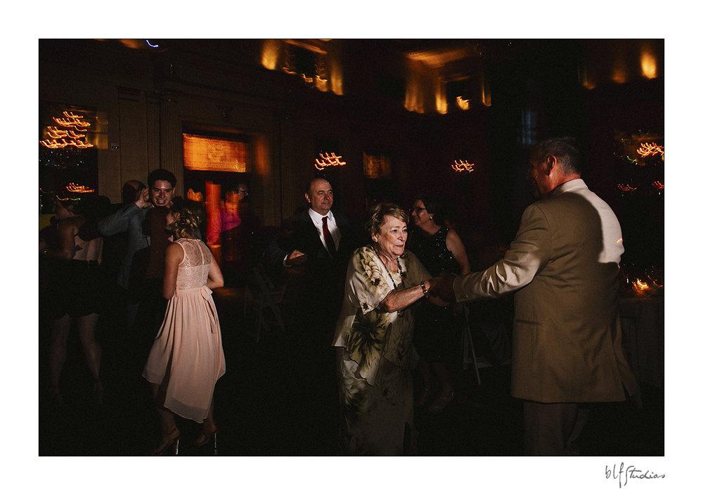 033-winnipeg-hotelfortgarry-wedding.jpg