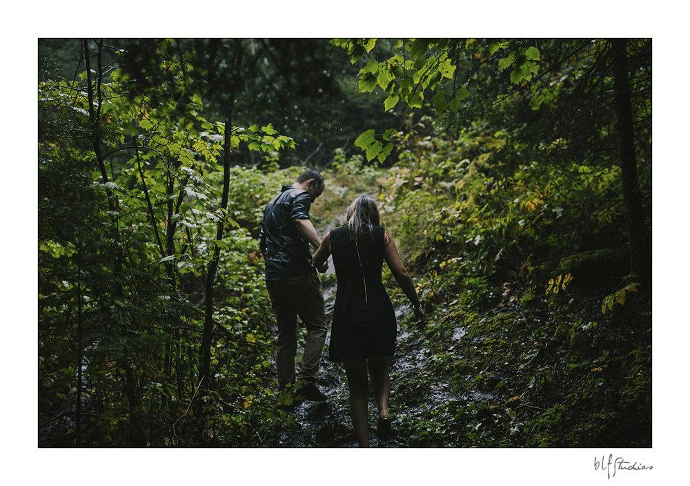 005-Kenora-engagement-photographer-woods.jpg