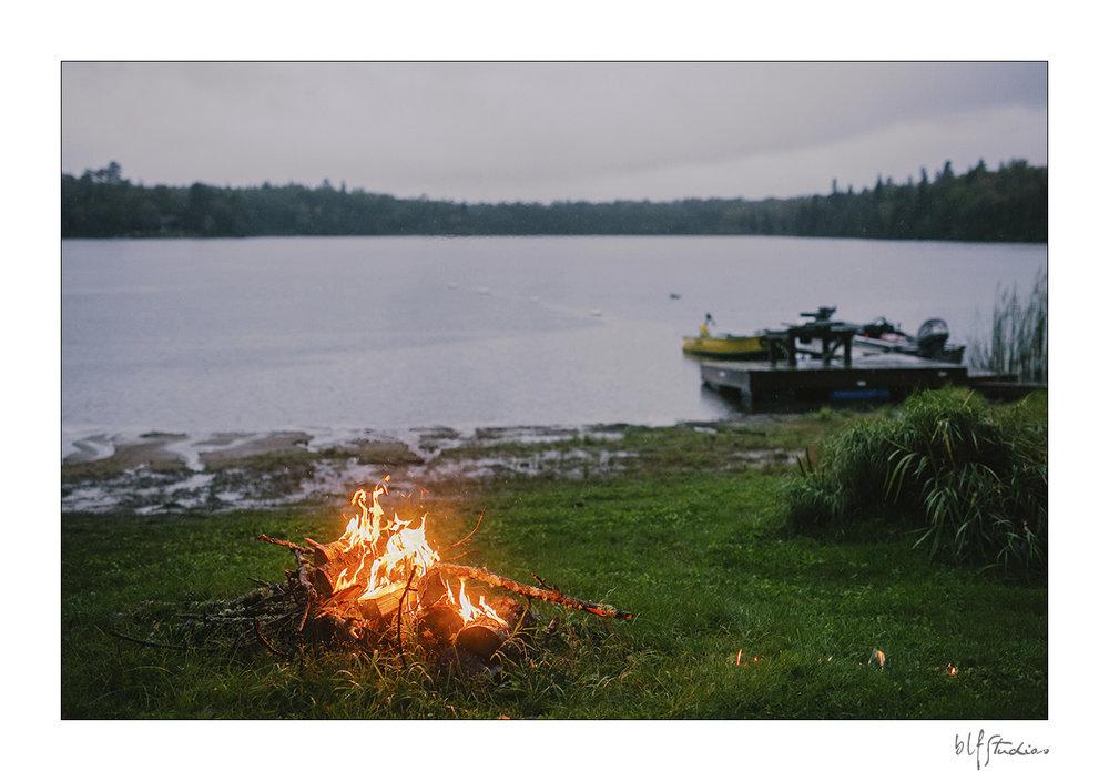 013-Kenora-engagement-photographer-woods.jpg