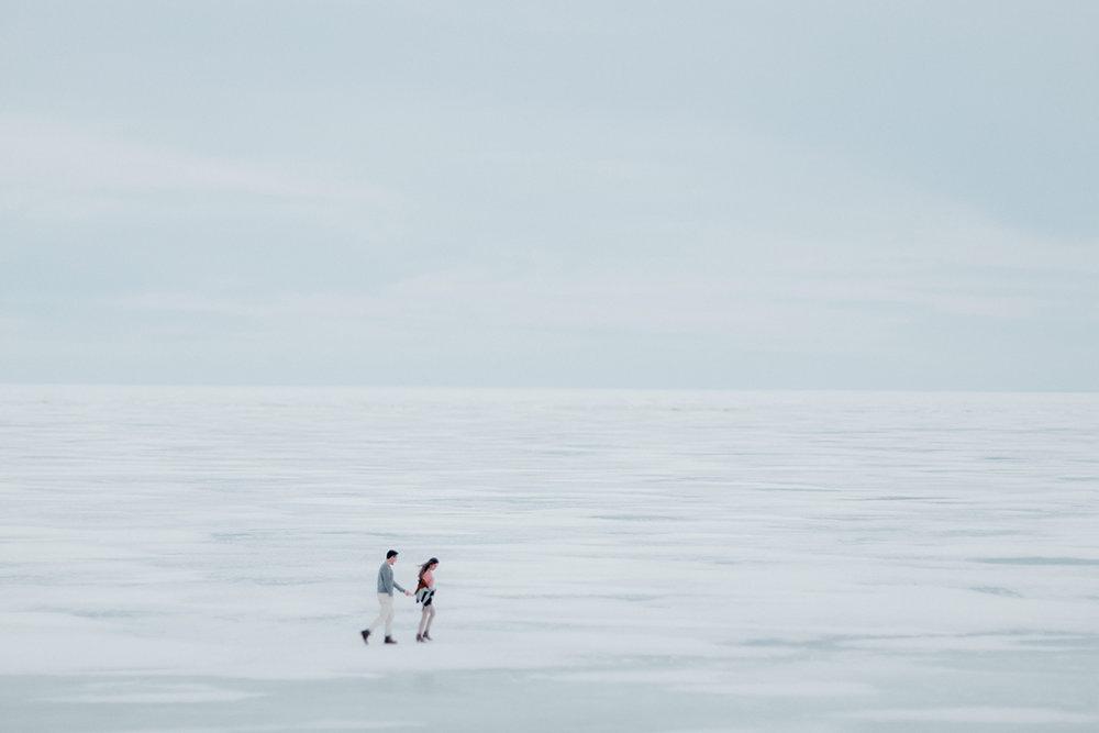 0004-gimli-manitoba-engagementphotos-winter-nicolematt.jpg