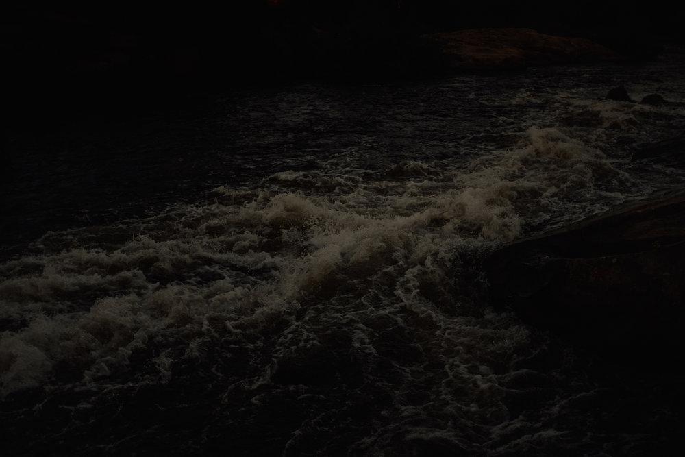 017-pinawa-dam-engagement-photos.jpg