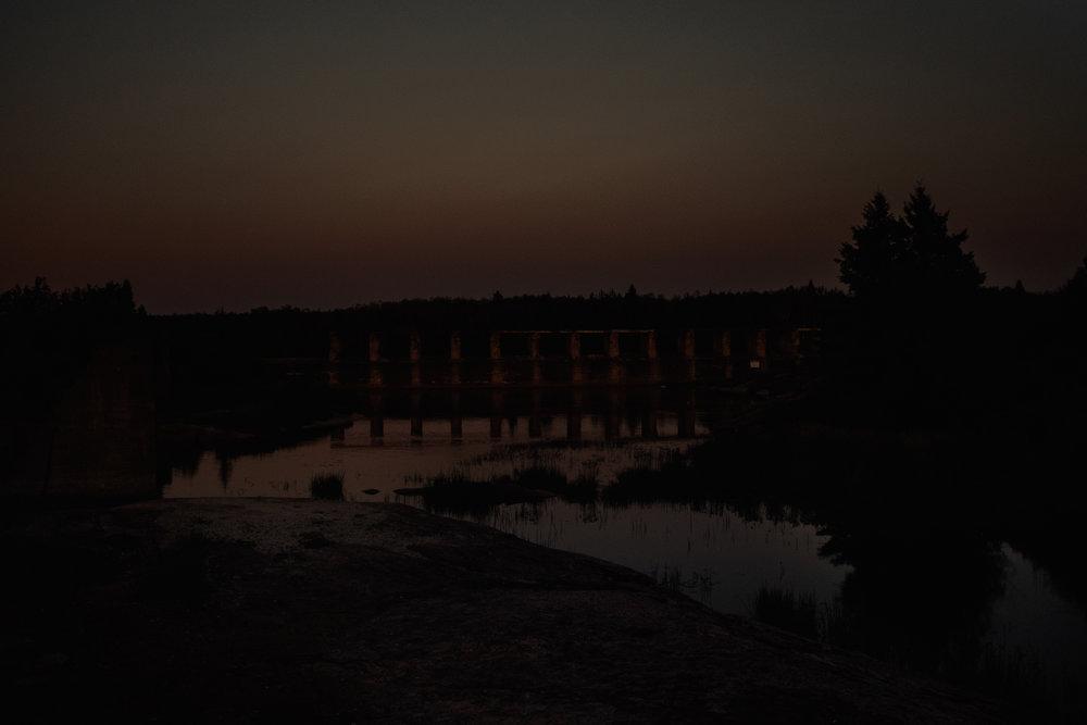 035-pinawa-dam-engagement-photos.jpg
