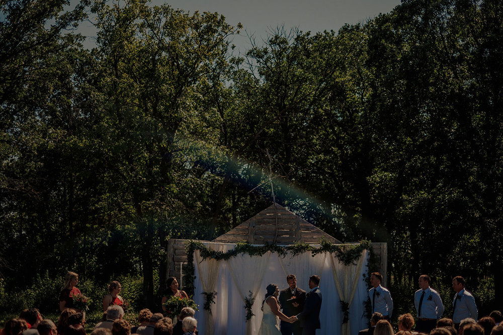 0016LaLune-winnipeg-outdoor-wedding.jpg
