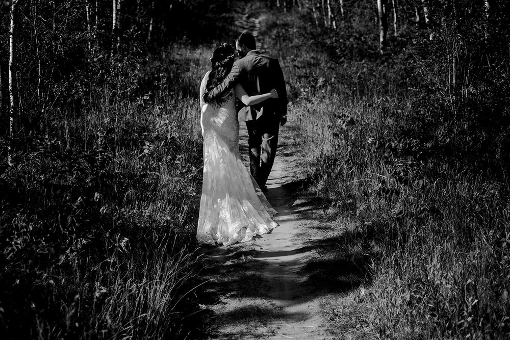 Adventure wedding couples Canada