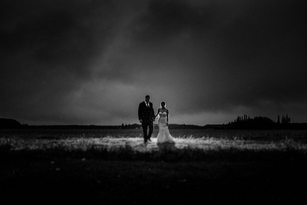 0025-balmoral-manitoba-tent-wedding-stephanie-ryan.jpg