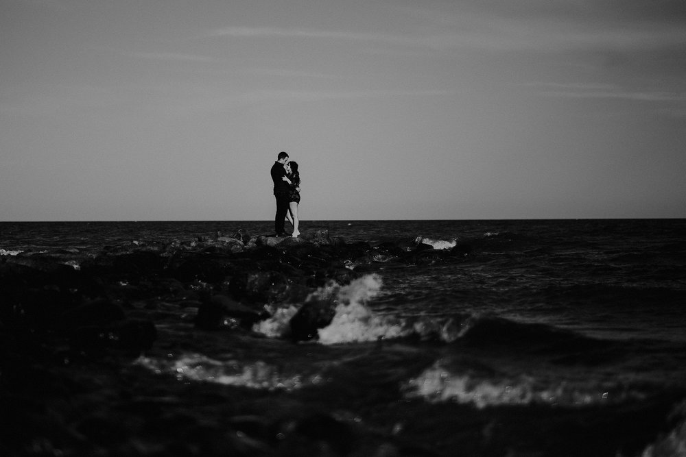0006-gimli-lake-engagement-photos-melissa-chris.jpg
