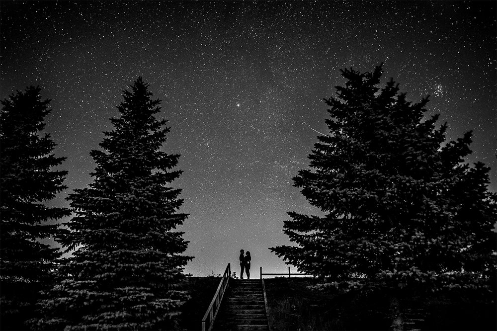 0012-winnipeg-engagement-photographer-nightsky-vanessa-randy.jpg