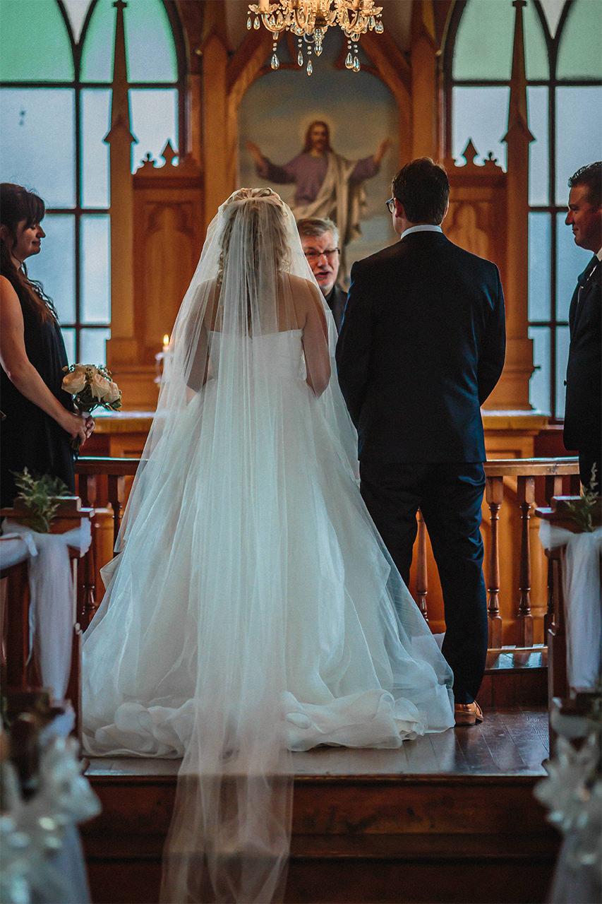 0007-gimli-hecla-wedding-alana-grant.jpg