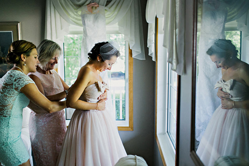 Wedding dresses with bows pink