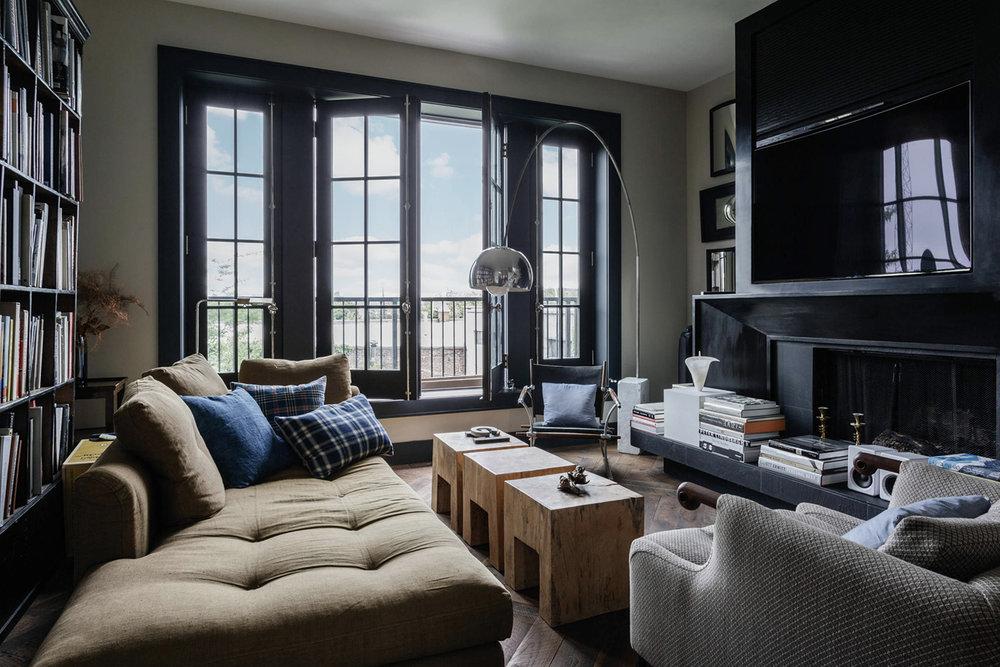 165c living room mod1500.jpg