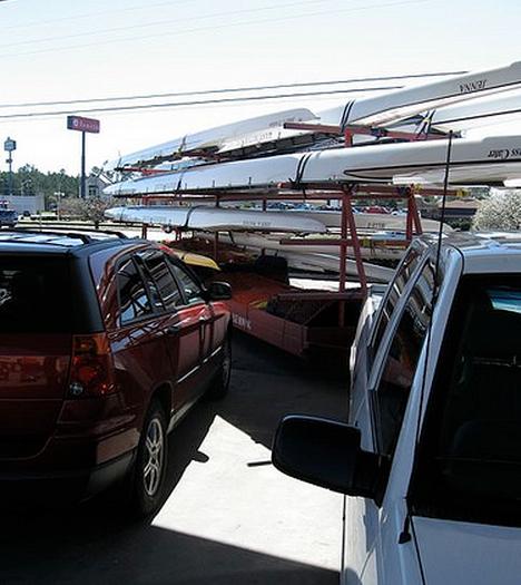 01-05-13 - trailer at gas pump.jpg