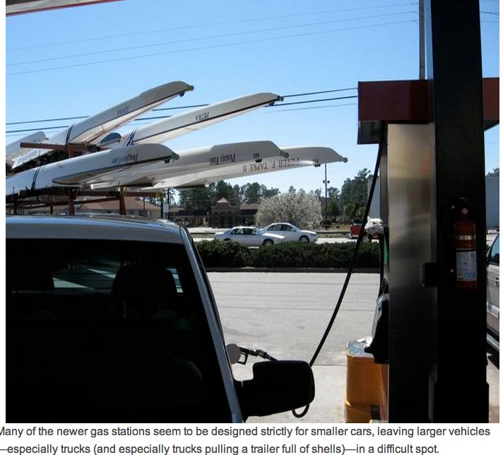 01-05-13 - trailer at gas pump 2.jpg
