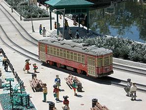 01-07-13 -  Legoland trolley.jpg