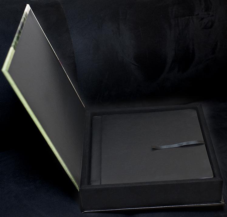 album box 3, thiago da cunha.jpg