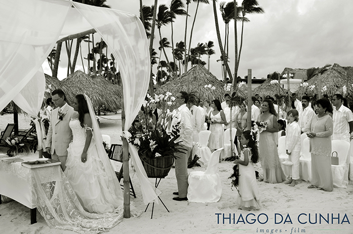 beach weddings_destination weddings in punta cana_punta cana wedding photographer_thiago da cunha.jpg