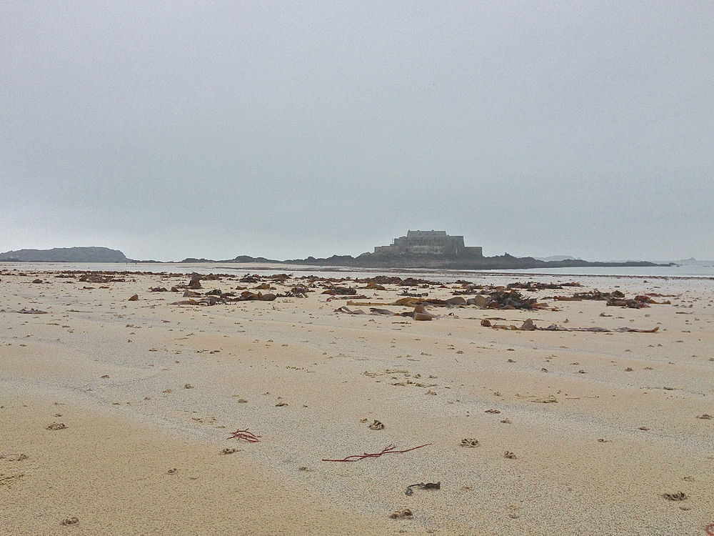 beach & fort in Saint-Malo
