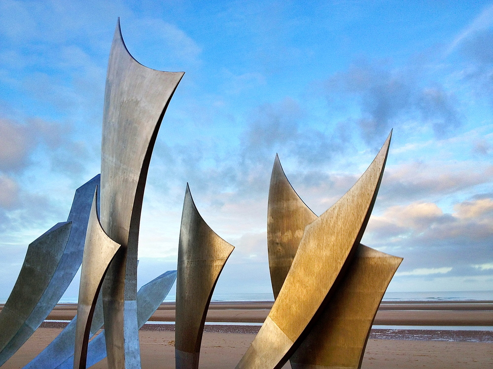 Les Braves Omaha Beach Memorial Sculpture