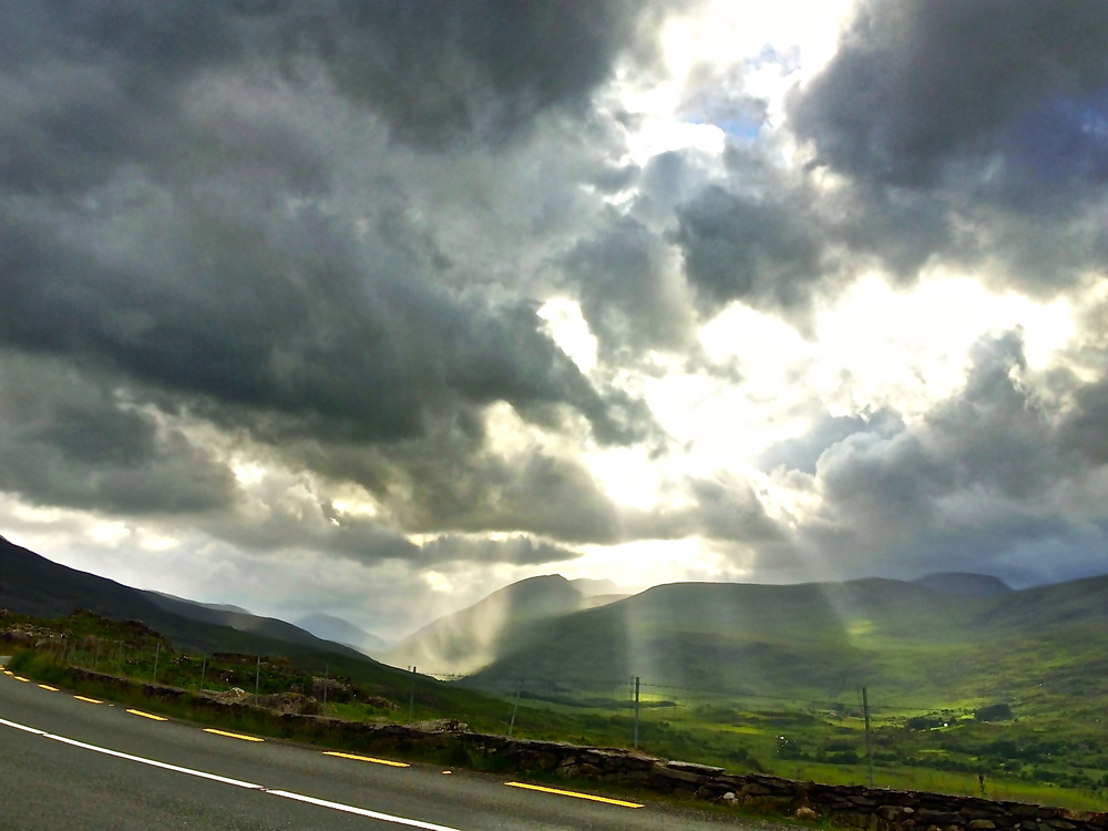 Pass from Killarney into Kenmare, journey to the Beara Peninsula, Ireland