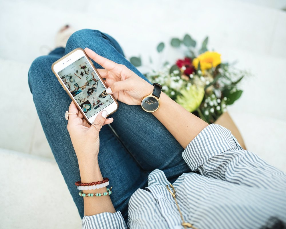 5 Things You Need to Do On Instagram to Grow Your Business - Times are a changin' (kind of) and Instagram continues to update their app to give you a PLETHORA of ways to talk to friends, strangers and your ideal client! Here is a short and sweet post (or reminders!) of 5 things you should be doing daily or weekly to keep that authentic following growing on Instagram.