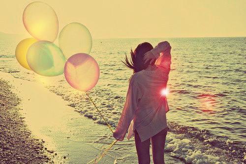 balloos-beach-girl-love-Favim_com-1196768.jpg