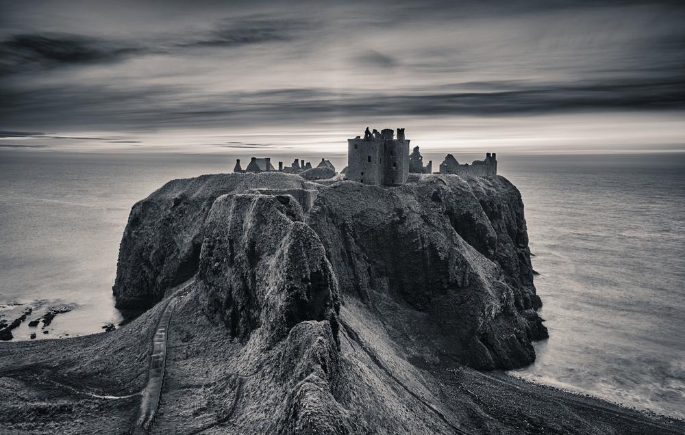 Stephen_Crossan_Dunnottar_Castle_01.jpg