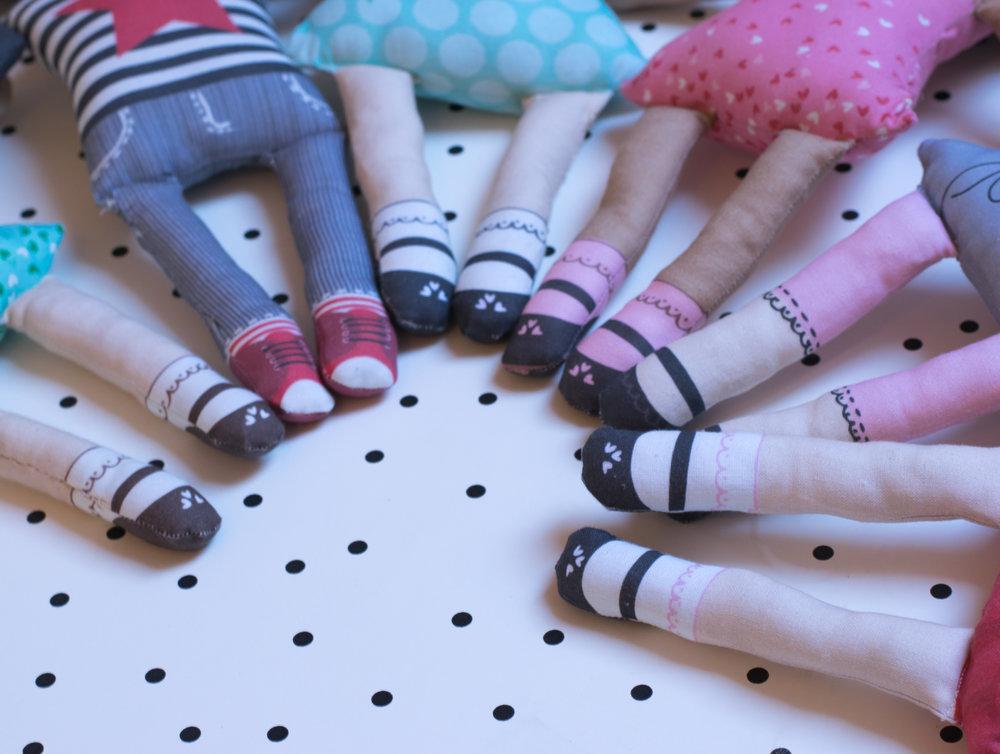 Doll feet
