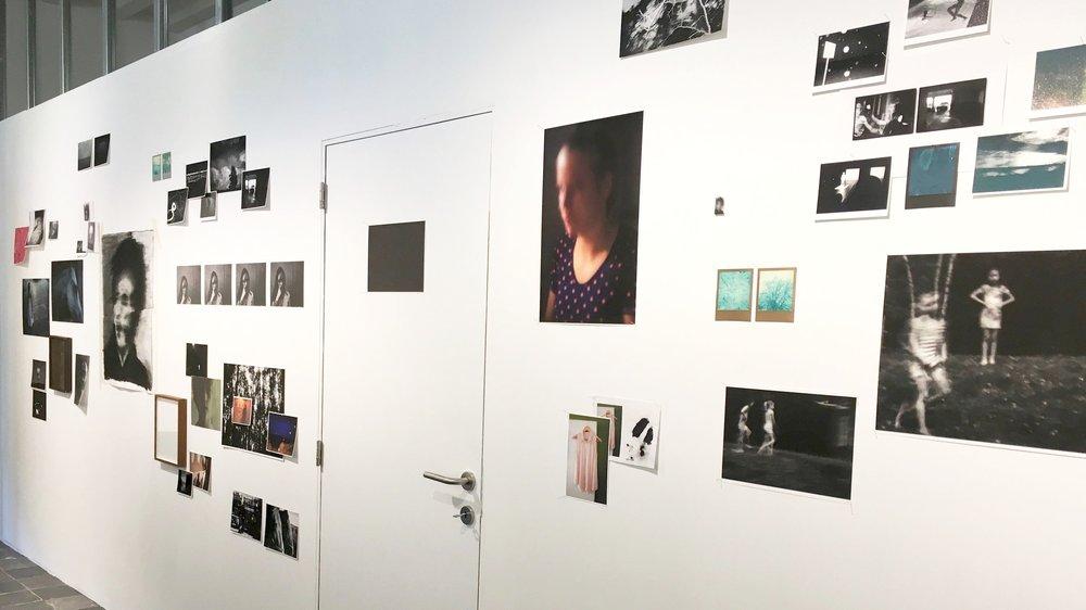"""Het project """"Weight/Carry"""" tentoongesteld als """"work in progress"""" in een combinatie van verschillende media en technieken."""