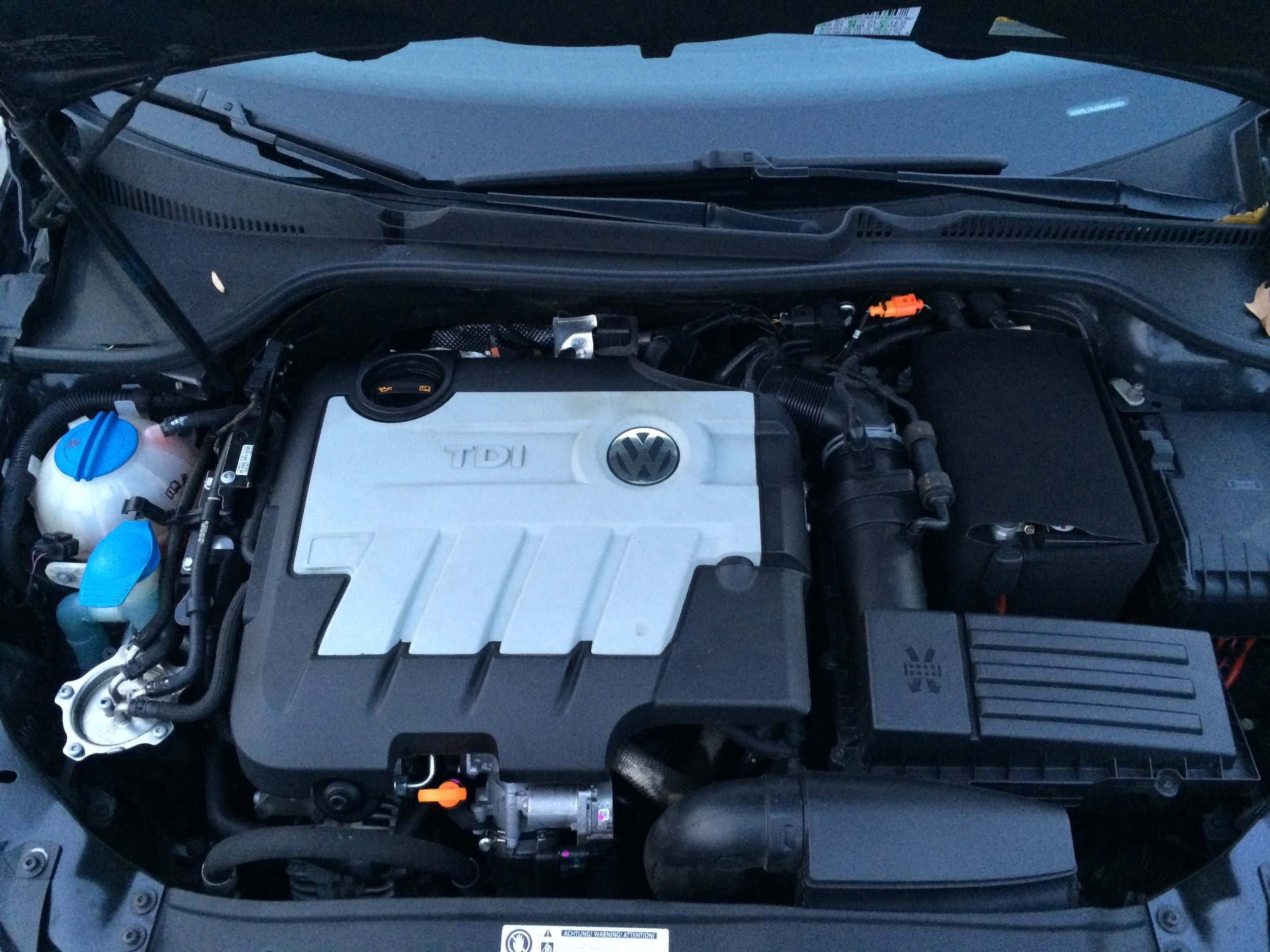 TDI engine bay with 4-cylinder turbo
