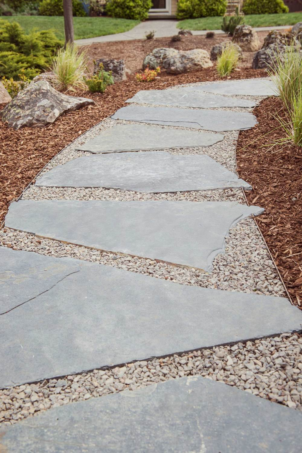 Flagstone and Gravel Pathway