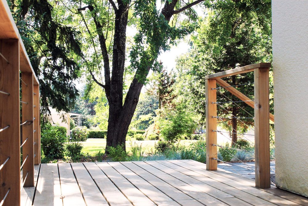 Cedar Deck + Tension Cable Railing + Modern Simple Design