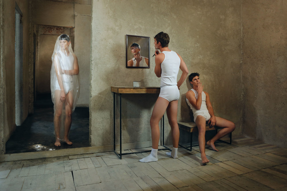 La salle de bains by Izack Morales.jpg