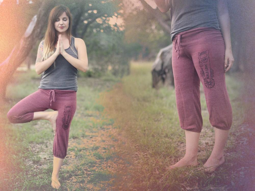 yoga pants [1600x1200].jpg