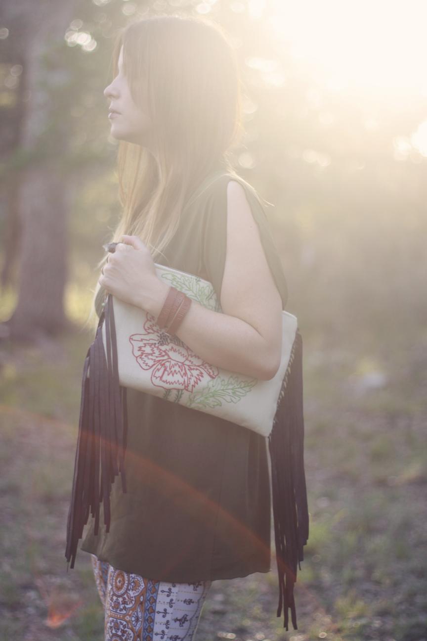 leotie lovely fringe handbag.png