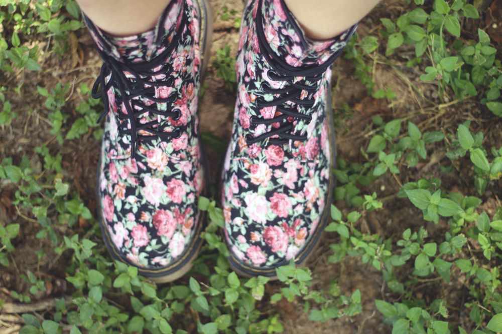 floral boots.png
