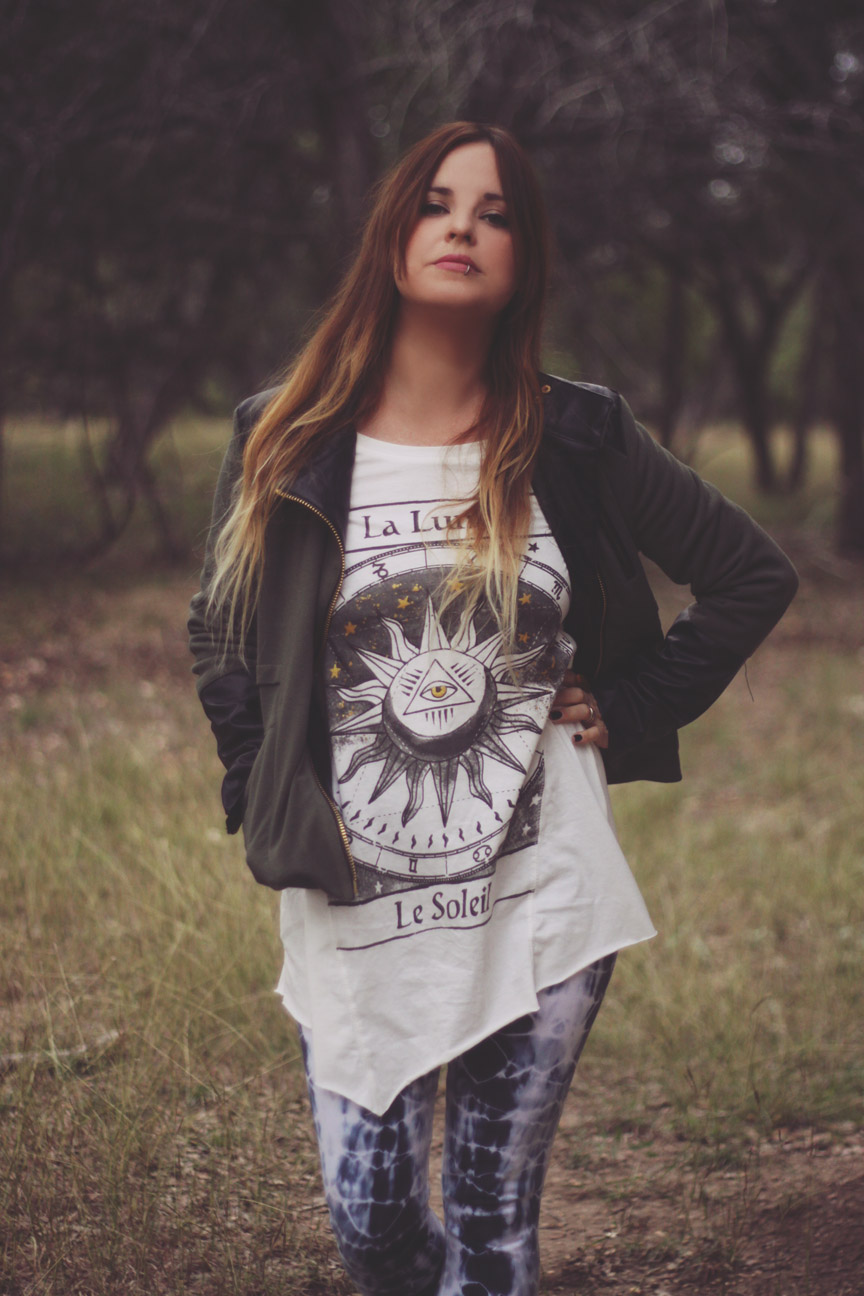 luna tee outfit on roots and feathers