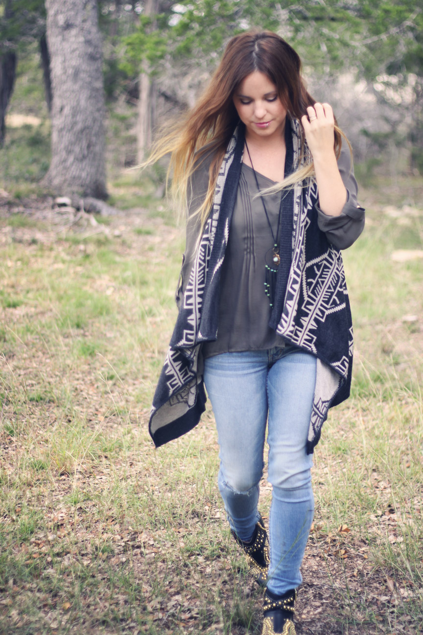 charcoal and dusk outfit on roots and feathers