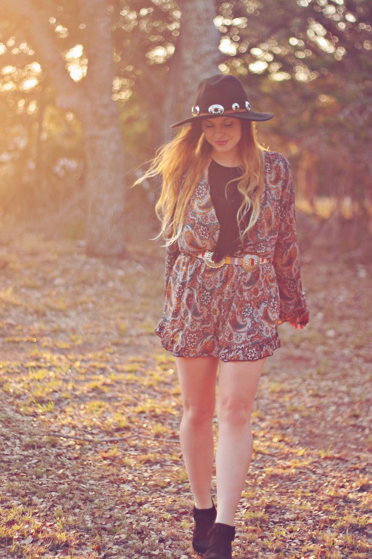 Boho Outfit via rootsandfeathers.com