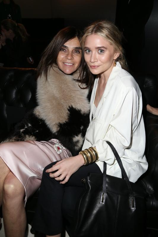 Fashion Show, Carine Roitfeld & Ashley Olsen
