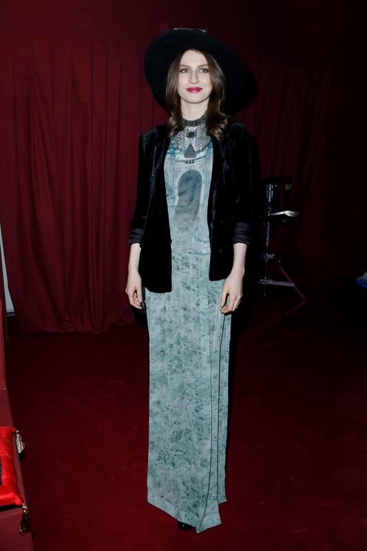 Fashion Show, Tali LEnnox wearing H&M