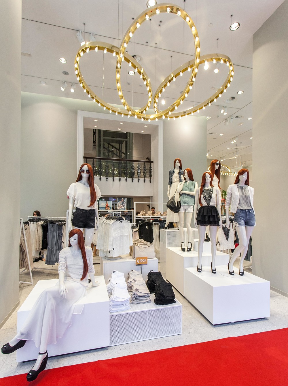 http-__www.spyroskanatas.com_wp-content_gallery_hm_new_store_piraeus_hm_piraeus_store_07.jpg