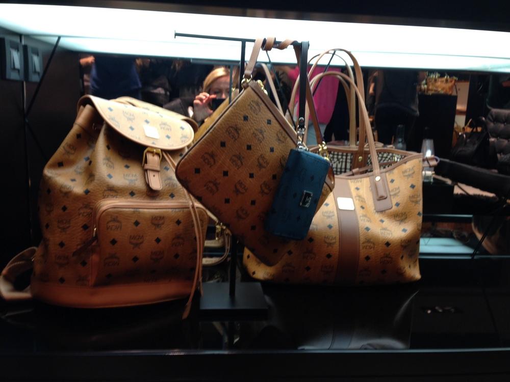 Shopping   MCM Boutique Kolonaki 89883480881