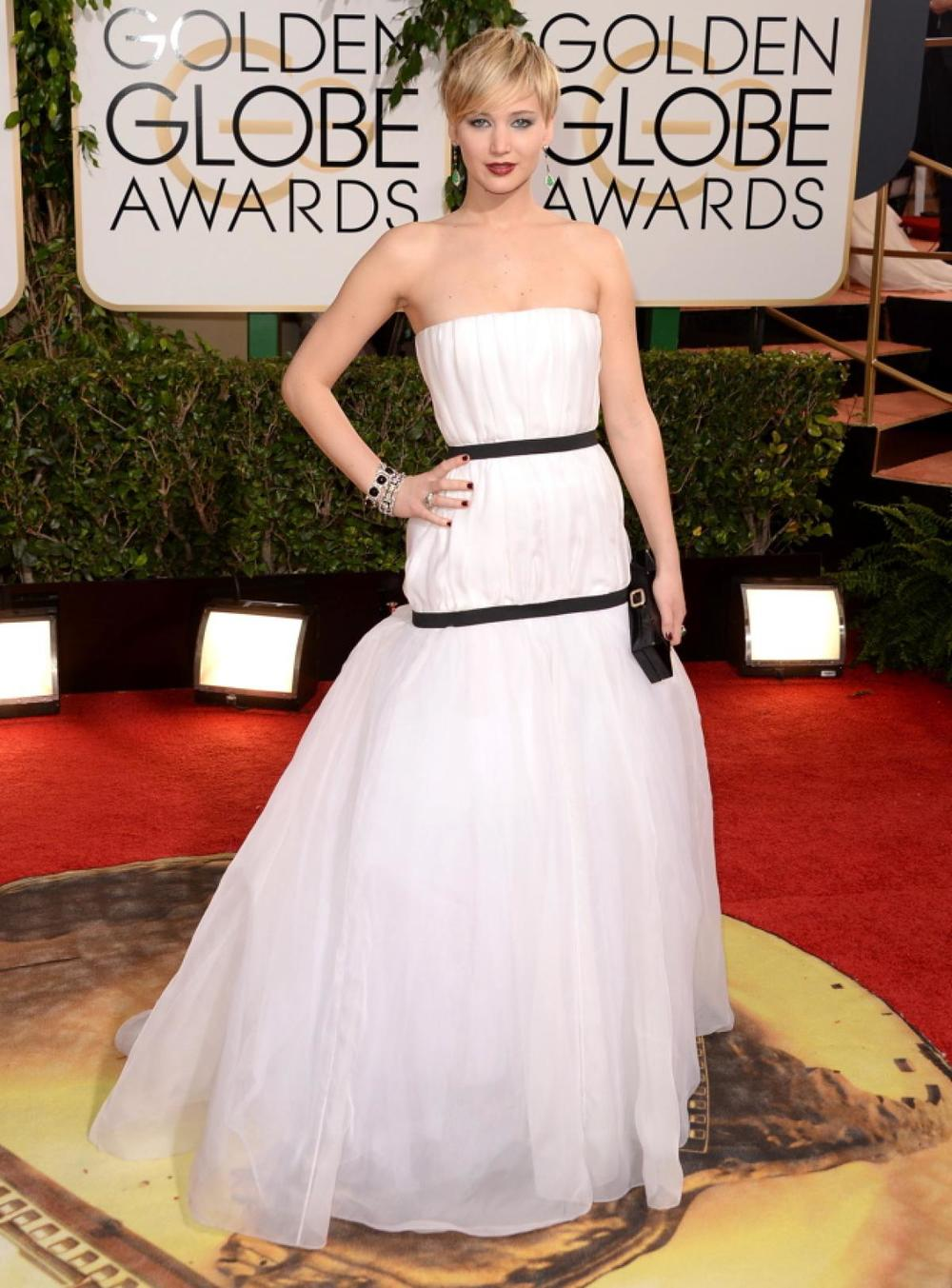 Jennifer Lawrence in black & white Dior gown!