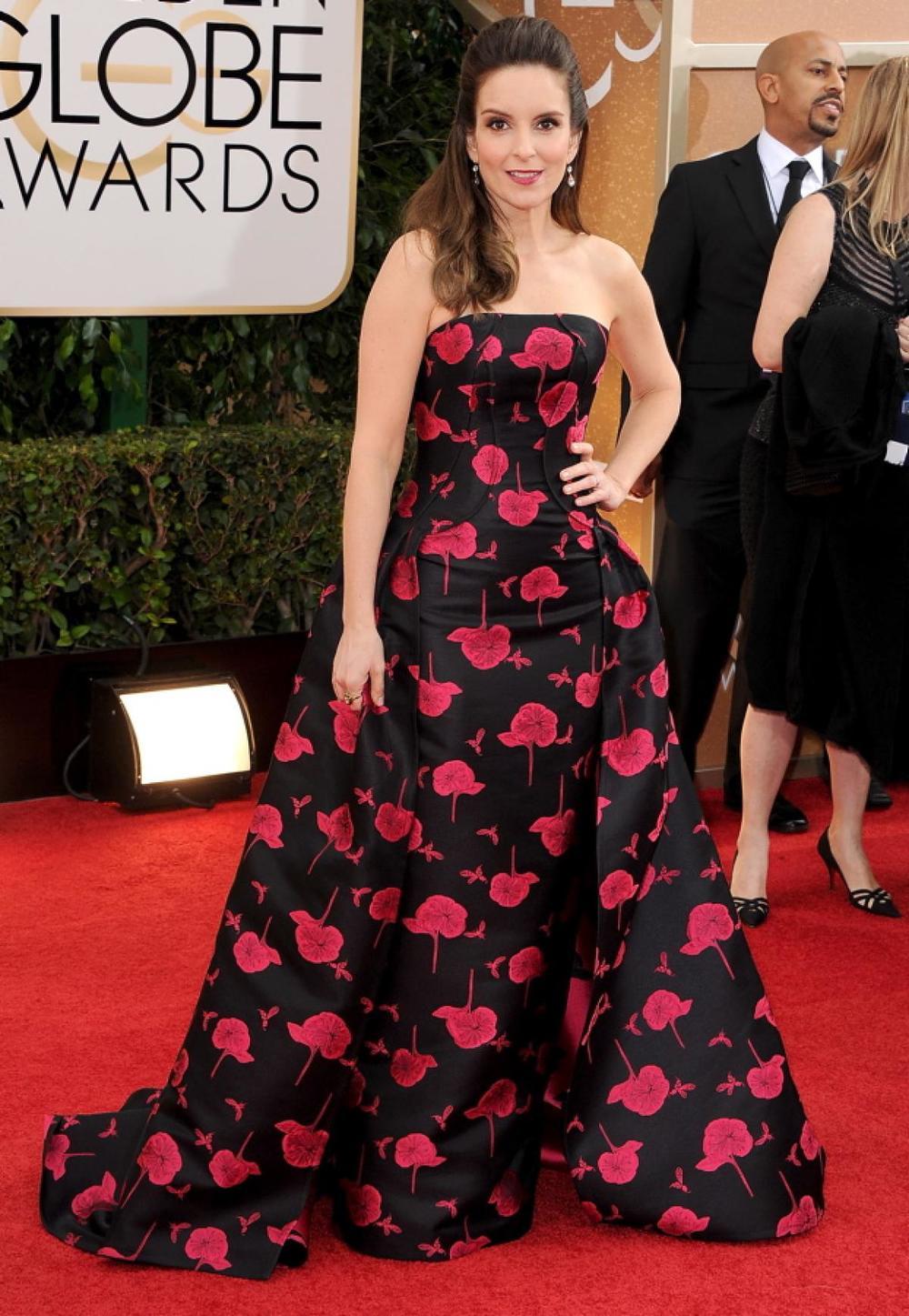 Tina Fey in Carolina Herrera gown with prints!