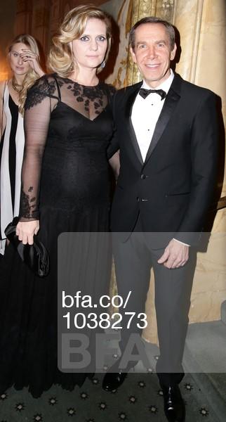 Jeff and Justine Koons_Save Venice Enchanted Garden Ball_April 4 2014