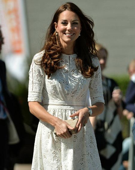 Kate Middleton - L.K. Bennett NATALIE clutch (2).jpg