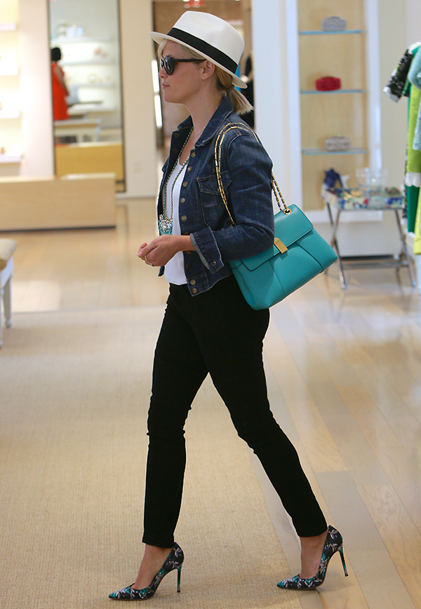 Reese Witherspoon seen shopping at Oscar De La Renta clothing store.
