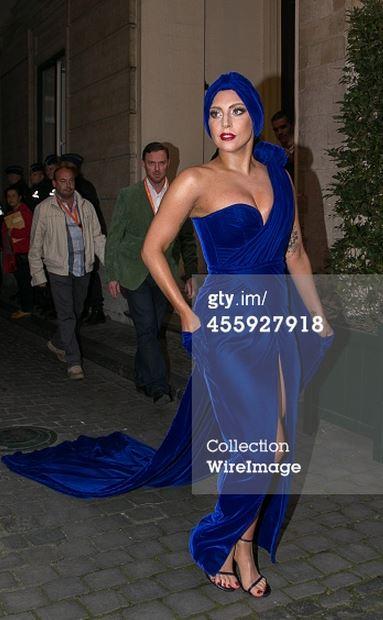 Lady Gaga in Stuart Weitzman 1 - 9.22.2014.jpg
