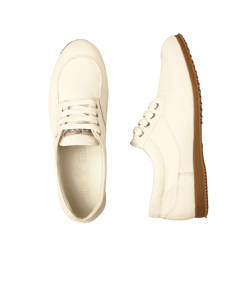 16-traditional shoe in white canvas.jpg