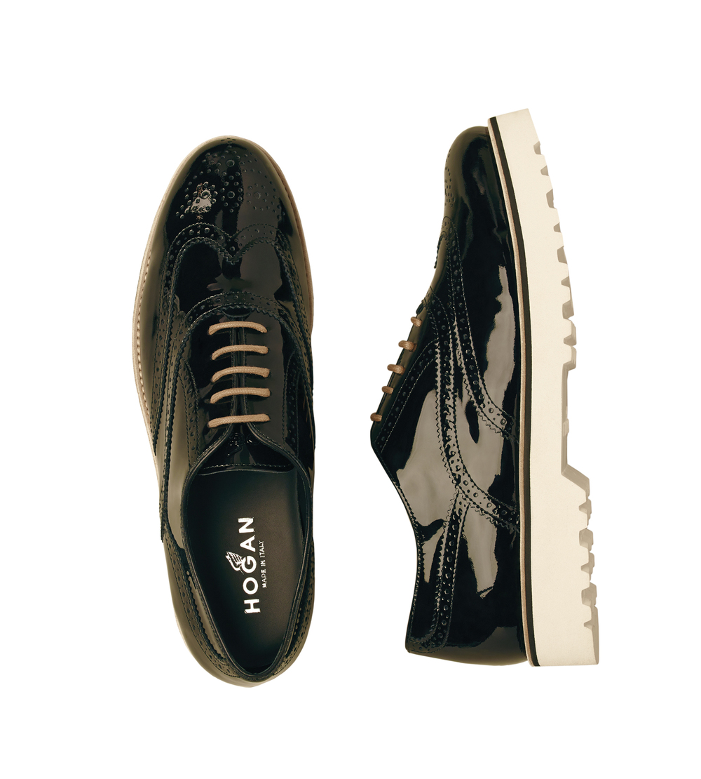 22-Route shoes in black patent leather.jpg