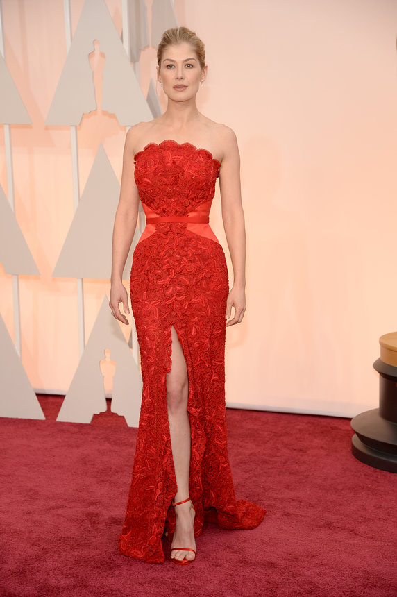 Rosamund Pike in red strapless Givenchy gown